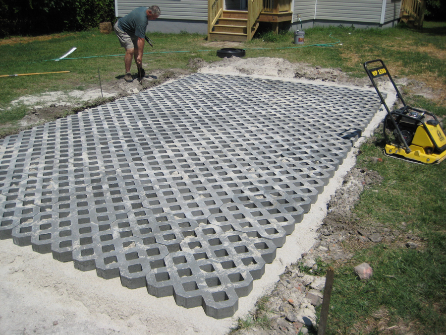 Driveway pavers diy do it your self for Green pavers